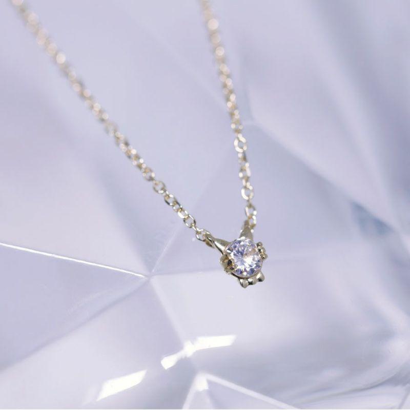 Cattonロゴ ダイヤ サクラ耳ネックレス
